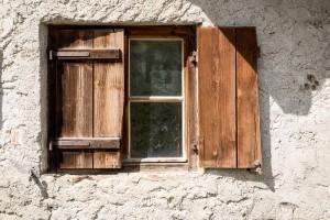 window-1644844_1280